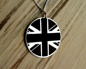 Personalize necklace, British flag necklace, Union Jack necklace, birthday gift, anniversary gift, British pendant, British jewelry, flag