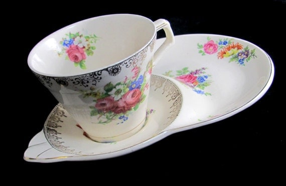 REDUCED: Art Deco H&K Hollinshead Kirkham Tunstall Stoke-on-Trent Shabby Chic Floral Chintzy Tennis Set Cup and Saucer 1930s