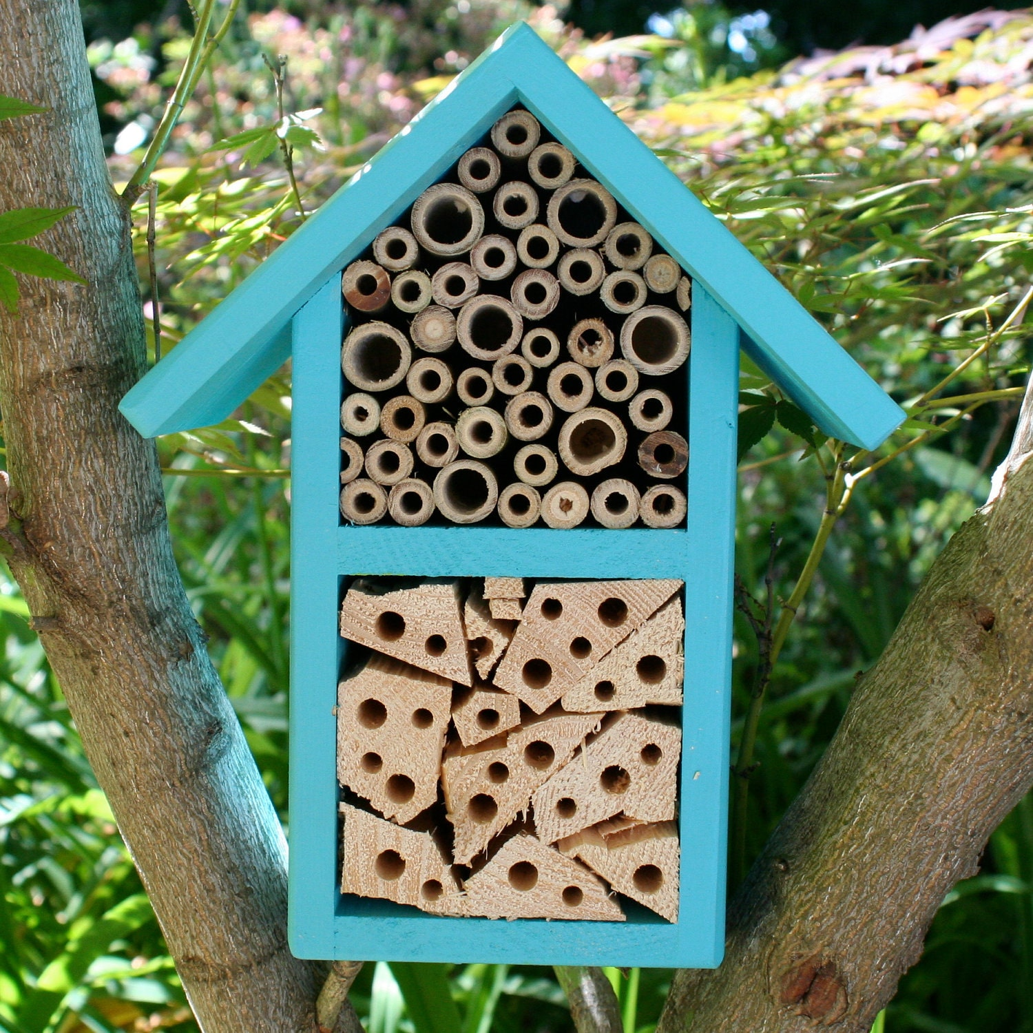 how to clean a mason bee house