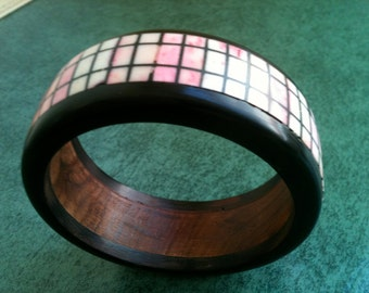 Vintage '80s BONE, HORN and WOOD Geometric Pink and Black Bangle Bracelet