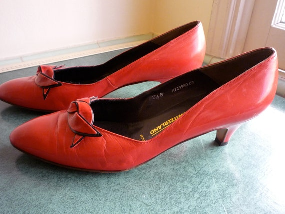 Vintage '60s Coral Red BALLY Leather Womens Priscilla Kitten Heel Pumps Size 7.5
