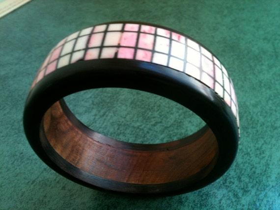 Vintage '80s BONE, HORN and WOOD Geometric Pink and Black Bangle Bracelet