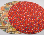 ChristmasTable Runner, Round Table Runner, Quilted, Reversible, 20'' di.