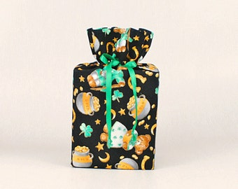 St. Patrick's Day Kleenex Box Cover/Tissue Box Cover, Shamrocks Bathroom Accessories, Irish/Celtic Bathroom Decoration.