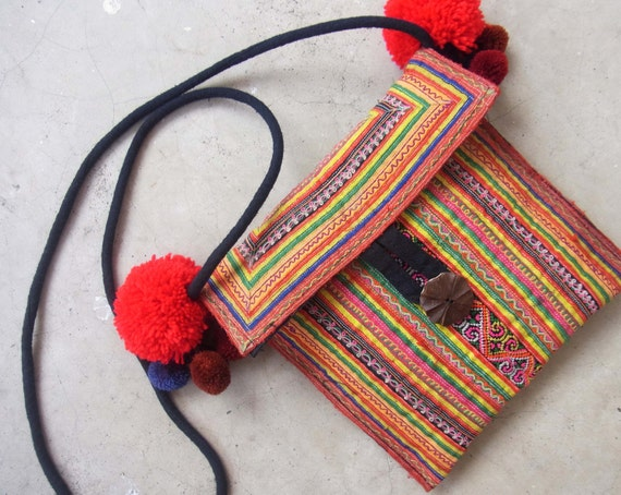 Ethnic embroidery purse // cross body // colorful // navajo // tribal // mini cross body // pompom // hippie