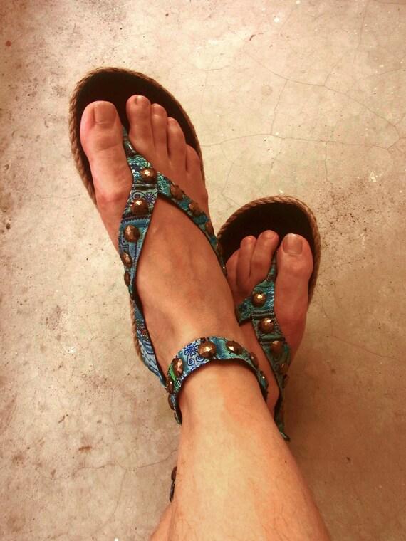 SALE Embroidery sandals, ethnic  // flip flop // hippie // bohemian // summer