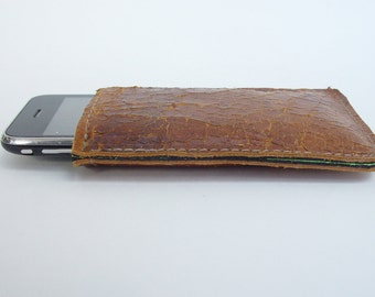 I Phone case from recycled leather sports equipment