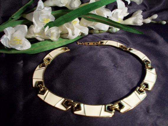 1950's Monet Cleopatra Collar Style Necklace