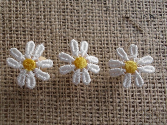Daisy Push Pins White Yellow Flowers Simple Natural Beauty Country Wedding Reception Boards Bulletin Cork Cottage Lovely Feminine Romantic