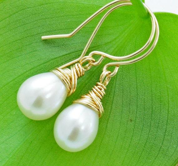Freshwater pearl Earrings, Natural  Pearls, Gold, Bridesmaid Gifts, Classic bridal jewelry. June Birthstone- Fifi LaBonge -