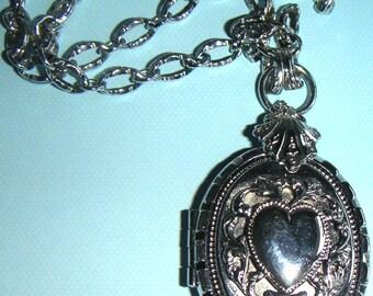 Vintage Locket and Chain, Silver Tone, Mother's Day, Anniversary, Birthdays, Keepsake,Valentine's Day