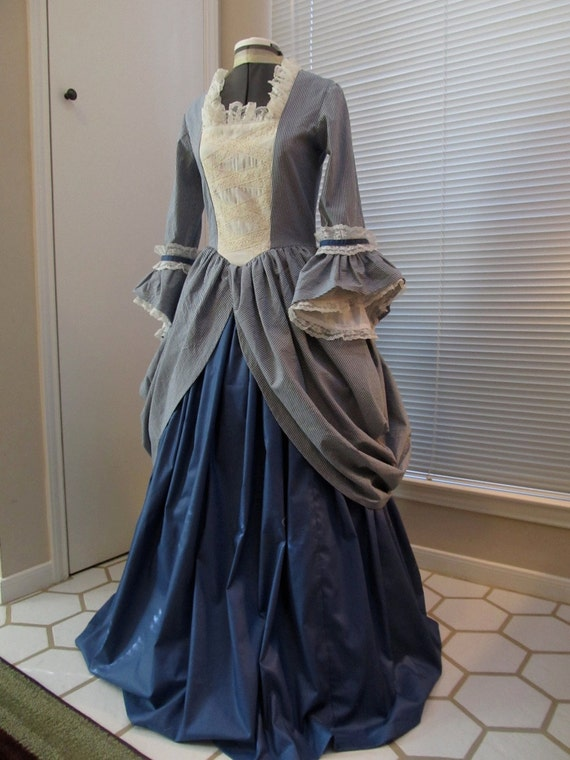 1700's Era Colonial Womans Gown / Dress Size Small (