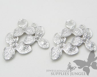 SALE!!! P199-02-MR// Matt Rhodium Plated Triple Flower Pendant, 2pcs