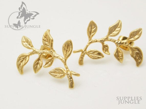 E110-MG// Matte Gold Leafy Ear Post, 2Pc