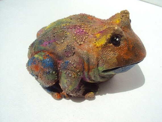 Cast Cement Stone Hippy Toad