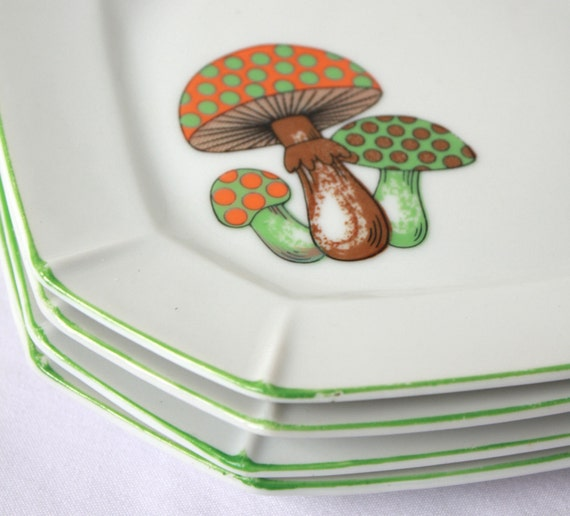 Vintage Mushroom Plates Woodland Set of 4 Salad or Dessert Plates
