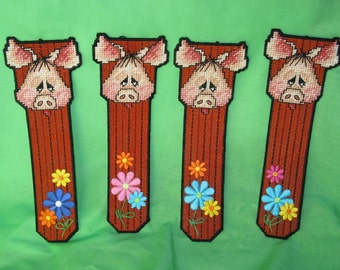 Bookmarks  Pigs with Personality  Needlecraft plastic canvas