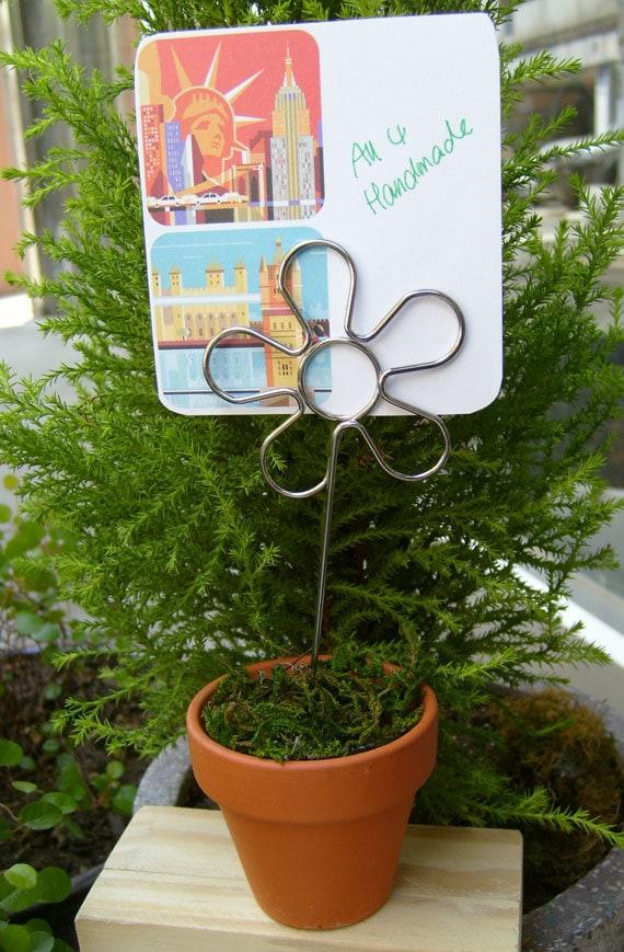 Flower Shaped 10 Pcs Wire Memo Holder Clip, Sign Holder, Escort Card Display, Table Number Holder