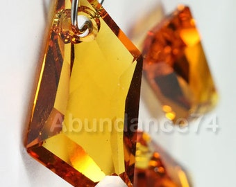 1 piece Swarovski elements De-Art 6670 Crystal Pendant TOPAZ - Available in 18mm and 24mm