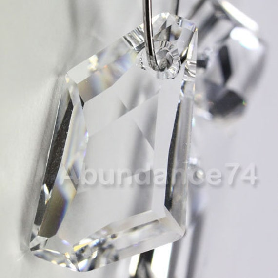 1 piece Swarovski elements crystal pendant De-Art 6670 CLEAR - Available in 18mm and 24mm