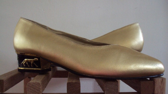 Vintage 1980's METALLIC GOLD & Black Panther Low-Heel Egyptian Shoes, Size 6W