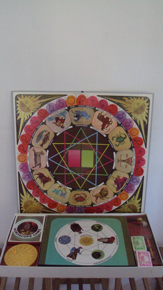 Read My Palm//Madame Planchette//NOS Vintage Horoscope Game 1967