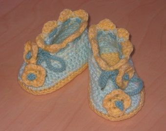 Baby's booties ( 0-6 mo )