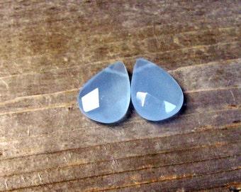 Blue Violet - Color Changing- Czech Glass Briolettes- 18mm (2)