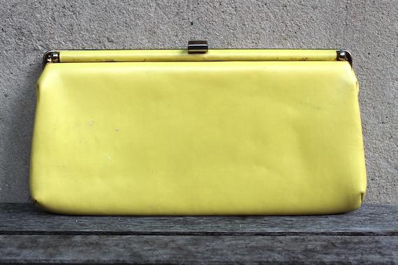 Vintage Yellow Clutch, Pastel Yellow, Mod 60s Handbag, Retro Purse, Faux Leather, Prom, Cocktail Party, Wedding Formal, Womens, Lemon Yellow