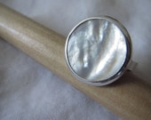 Mother of Pearl Ring - Size 7 1/2