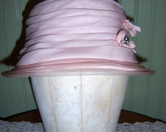 Vintage 1960s Pale Pink Ruched Hat with Velvet Bows Gems