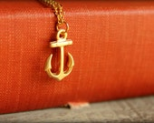 Anchor Necklace in Matte Gold