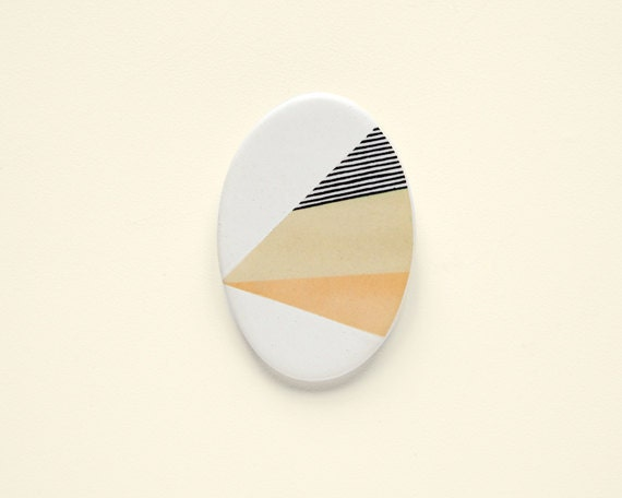 Oval N2 - Geometric Ceramic brooch
