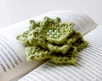 Echeveria. Green brooch crochet flower with green glass pearls. Echeveria brooch. Spring flower