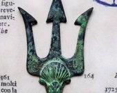 Steampunk trident stamping, patina - CalliopesAttic