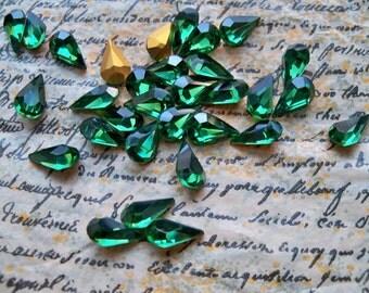 12 Lot of Vintage Swarovski Austrian crystals Turmaline