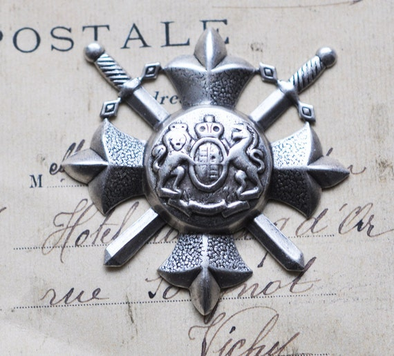 Small Medieval crest for scrapbooking, Antique silver finish