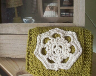 SUPER SALE-Handmade knitted women wallet- Olive green and cream- lace design with cream ribbon