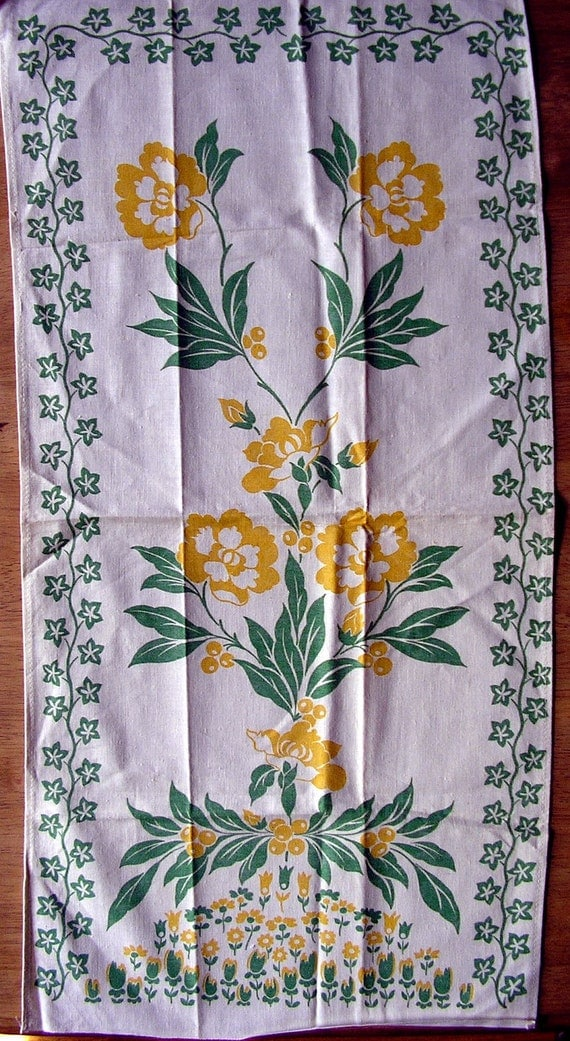 Silk-screened Kitchen Towel ANOTHER Beautiful and Unusual 1950s