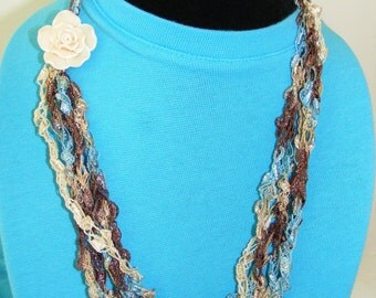 """Sand to Sea with """"sand"""" Rose Ladder Yarn Necklace"""