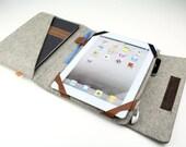 iPad Folio Case (Kitsilano) - Gray Wool Felt with Light Brown Leather