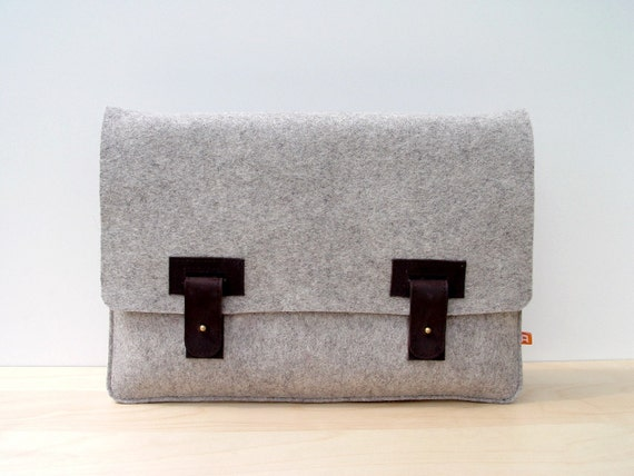 MacBook Pro 13 Inch Case / Sleeve (Arbutus) - Gray Wool Felt with Dark Brown Leather