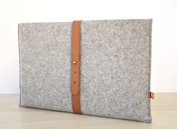 13 Inch MacBook Air Sleeve/Case (Dunbar) - Gray Wool Felt with Tan Brown Leather