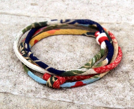Bracelet : Japanese chirimen kimono fabric cord adjustable bracelet or necklace