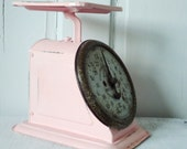 Retro Up Cycled Kitchen Scale in Cotton Candy Pink