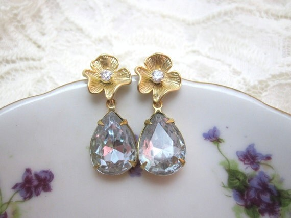 Alexandrite and gold flower earrings - light pink and purple on gold flower posts