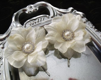 Set of 2- IVORY -Romantic Wedding Bridal Hair flowers- Pearl and Rhinestone Centers -Alligator Clips or Bobby Pins