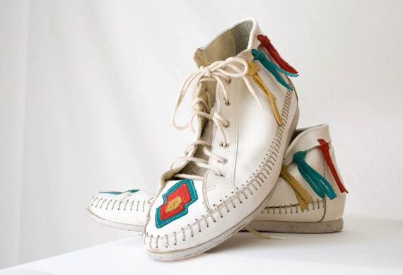 VTG 1980s White Lace-Up Bootie Moccasin with Fringe