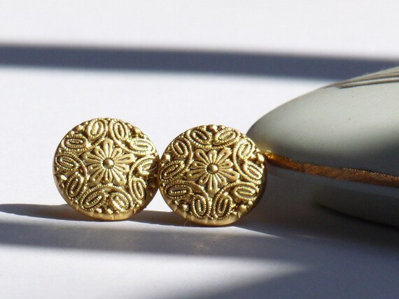 vintage button oriental gold plated earrings