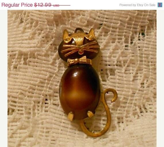 On Sale Vintage Tiger Eye Kitty Cat Pendant Signed Obco